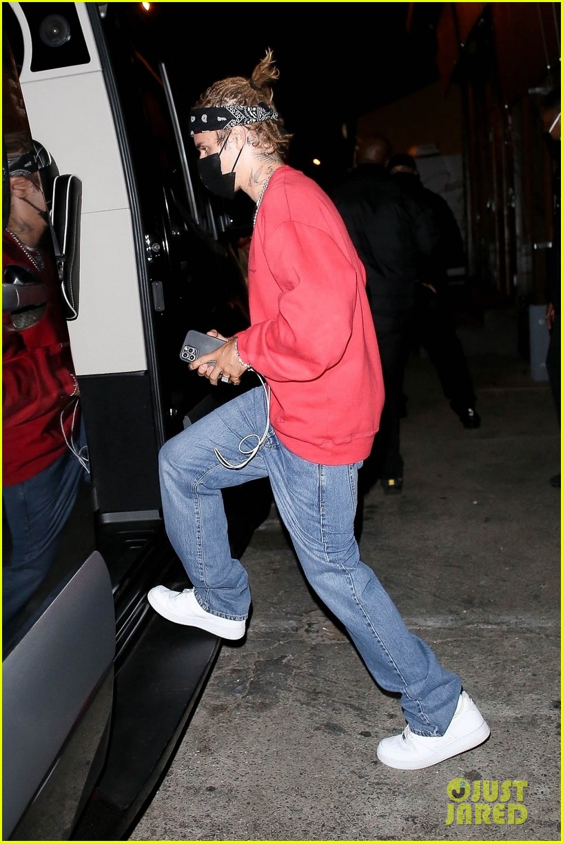 justin bieber new hairstyle at dinner with hailey bieber 10