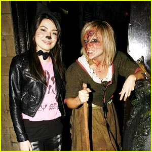 Miranda Cosgrove: London Dungeons Dreadful