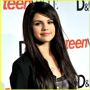 Selena Gomez: Come Chat With Me Today!