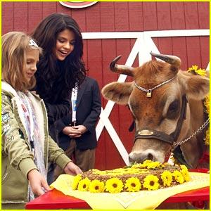 Selena Gomez: Happy Birthday, Elsie!
