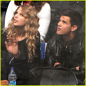 Taylor Swift & Taylor Lautner: Hockey Date Night!