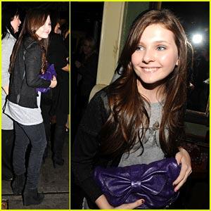 Abigail Breslin: Purple Clutch Cutie