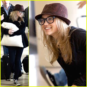 Emily Osment is LAX Laughy
