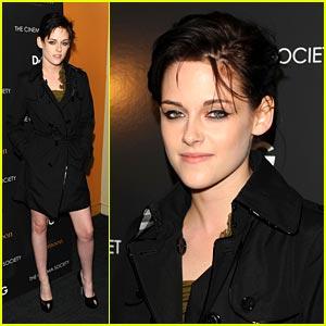 Kristen Stewart is Trenchcoat Terrific