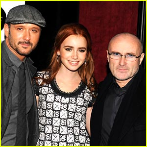 Lily Collins Premieres The Blind Side