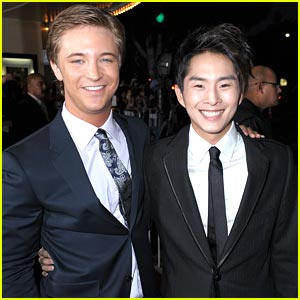 Michael Welch & Justin Chon: New Moon Men