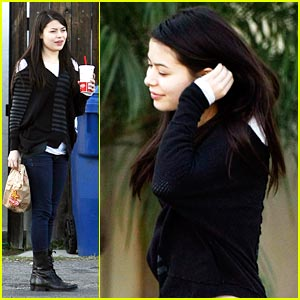 Miranda Cosgrove: Craving Carl's Jr.