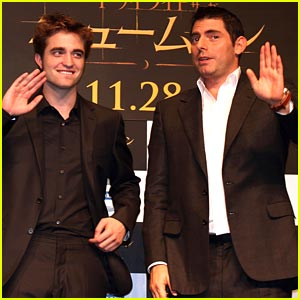 Robert Pattinson Brings New Moon To Tokyo