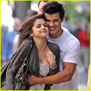 Selena Gomez Doesn't Really Hate Twilight