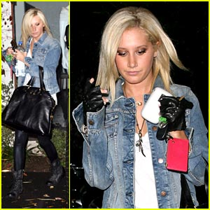 Ashley Tisdale is Andy Lecompte Lovely