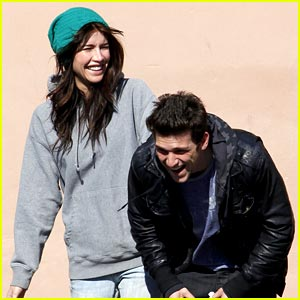 Daren Kagasoff is a Giggling Guy
