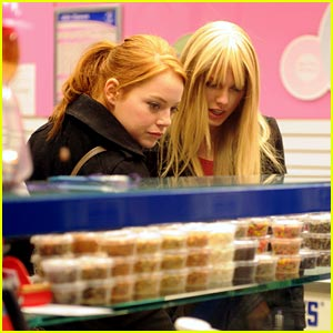 Taylor Swift & Emma Stone: Baskin Robbins Besties