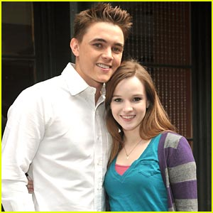 Jesse McCartney & Kay Panabaker: Summerland Reunion!