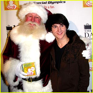 Mitchel Musso has a Very Special Christmas Concert