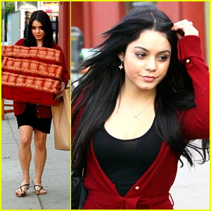 Vanessa Hudgens is CityWalk Sweet