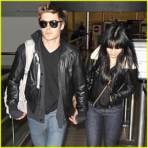 Zac Efron & Vanessa Hudgens are L.A. Lovers