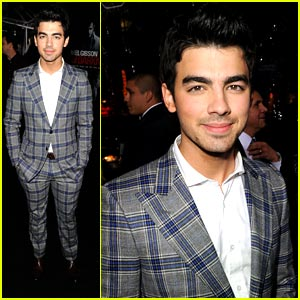 Joe Jonas has an Edge of Darkness