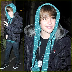 Justin Bieber Surprises Scotland School