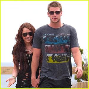 Miley Cyrus & Liam Hemsworth: Phillip Island Hand-Holding