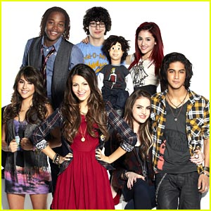 Victorious Premieres March 27!