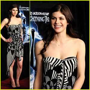 Alexandra Daddario is Percy Premiere Pretty