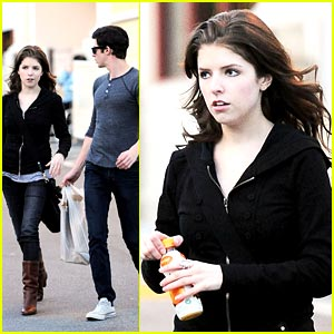 Anna Kendrick is Tropicana Terrific