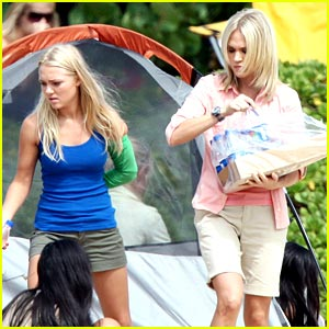 AnnaSophia Robb & Carrie Underwood Take Care of Thailand