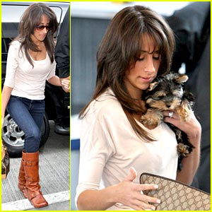 Danielle Jonas Leaves Los Angeles