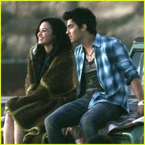 Joe Jonas & Demi Lovato: Making Waves on The Beach