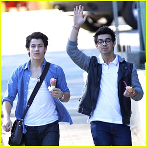 Joe & Nick Jonas: I Scream, You Scream, We All Scream For Ice Cream