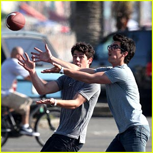 Nick & Joe Jonas: I Got It!