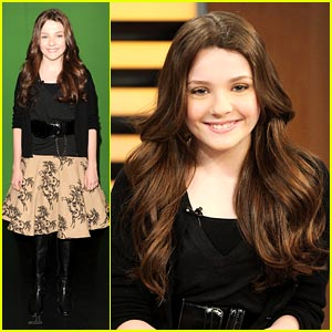 Abigail Breslin Brings Miracles to New York