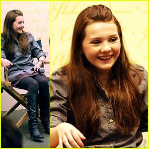 Abigail Breslin Joins Twitter!