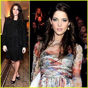 Ashley Greene: Dolce & Gabbana Gracious