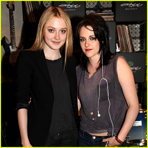 Dakota Fanning & Kristen Stewart: Runaways Featurette!