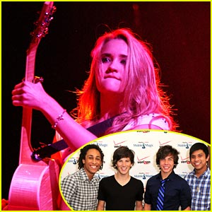 Emily Osment Pumps Up Irving Plaza