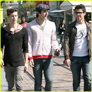 Joe Jonas Grooves at the Grove