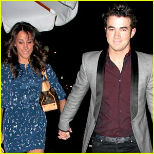 Kevin & Danielle Jonas Have A Nobu Nightlife