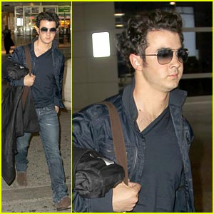 Kevin Jonas is JFK Cute