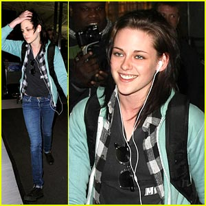 Kristen Stewart: New Moon DVD Features!