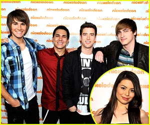 Miranda Cosgrove Gets a Big Time Rush in NYC