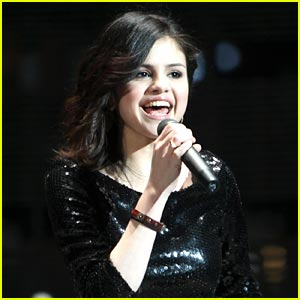 Selena Gomez Joins Lilith Fair!