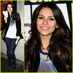 Victoria Justice Checks Out Jersey Boys