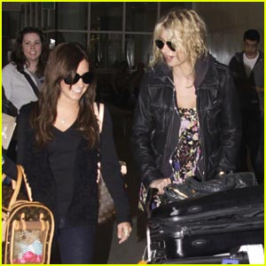 Ashley Tisdale & Aly Michalka: Hellcats In Vancouver