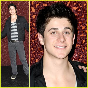 David Henrie Hosts Improv Workshop