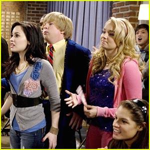 Demi Lovato Sings On Sonny!