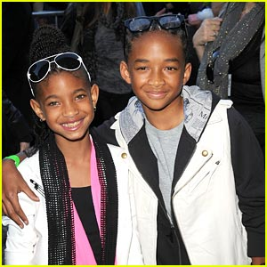 Jaden & Willow Smith Check Out The Perfect Game