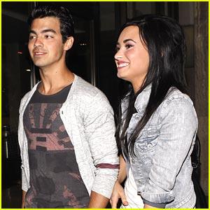 Joe Jonas & Demi Lovato: Arclight Date Night!