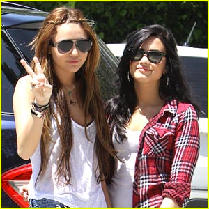 Miley Cyrus & Demi Lovato: Toluca Lake Twosome