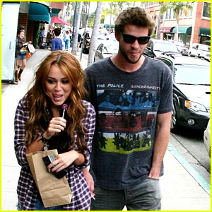 Miley Cyrus & Liam Hemsworth: Lollipop, Lollipop...